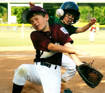 baseball_little_league_sliding